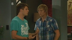 Chris Pappas, Andrew Robinson in Neighbours Episode 6162