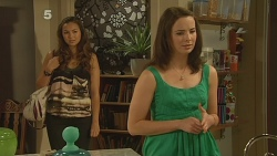 Jade Mitchell, Kate Ramsay in Neighbours Episode 6164