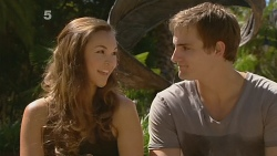 Jade Mitchell, Kyle Canning in Neighbours Episode 6164
