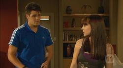Chris Pappas, Summer Hoyland in Neighbours Episode 6166