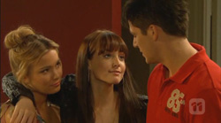 Natasha Williams, Summer Hoyland, Chris Pappas in Neighbours Episode 6168