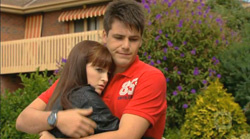Summer Hoyland, Chris Pappas in Neighbours Episode 6168