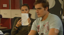 Jade Mitchell, Kyle Canning in Neighbours Episode 6170
