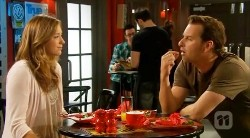 Sonya Mitchell, Lucas Fitzgerald in Neighbours Episode 6171