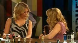 Sarah Campbell, Natasha Williams in Neighbours Episode 6173