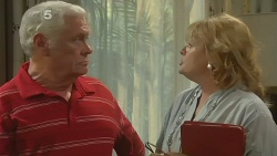 Lou Carpenter, Carolyn Johnston in Neighbours Episode 6176