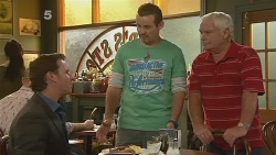 Lucas Fitzgerald, Toadie Rebecchi, Lou Carpenter in Neighbours Episode 6176
