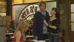 Natasha Williams, Andrew Robinson, Summer Hoyland in Neighbours Episode 6178