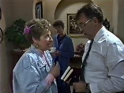 Eileen Clarke, Nell Mangel, Harold Bishop in Neighbours Episode 0582