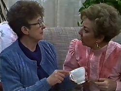 Nell Mangel, Eileen Clarke in Neighbours Episode 0582