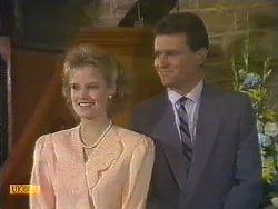 Daphne Clarke, Des Clarke in Neighbours Episode 0585
