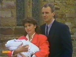 Jamie Clarke, Beverly Marshall, Jim Robinson in Neighbours Episode 0585