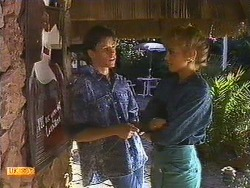 Mike Young, Jane Harris in Neighbours Episode 0587