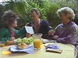 Lucy Robinson, Jim Robinson, Helen Daniels in Neighbours Episode 0587