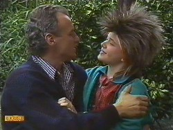Jim Robinson, Lucy Robinson in Neighbours Episode 0587