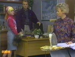 Lucy Robinson, Jim Robinson, Helen Daniels in Neighbours Episode 0589