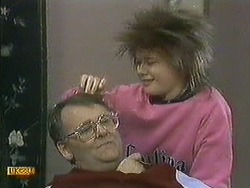 Harold Bishop, Lucy Robinson in Neighbours Episode 0595
