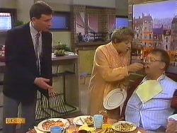 Des Clarke, Eileen Clarke, Harold Bishop in Neighbours Episode 0604