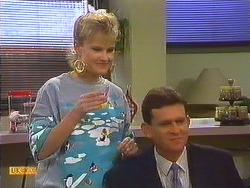 Daphne Clarke, Des Clarke in Neighbours Episode 0604