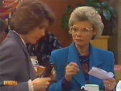 Beverly Marshall, Helen Daniels in Neighbours Episode 0604