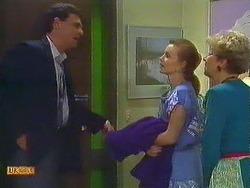 Des Clarke, Sally Wells, Eileen Clarke in Neighbours Episode 0604