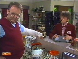 Harold Bishop, Nell Mangel in Neighbours Episode 0605