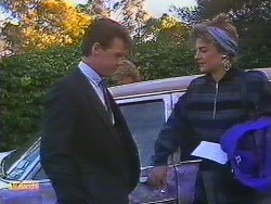 Paul Robinson, Gail Robinson in Neighbours Episode 0605