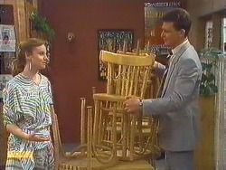 Sally Wells, Des Clarke in Neighbours Episode 0605