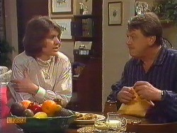 Beverly Marshall, Stephen Armstrong in Neighbours Episode 0606