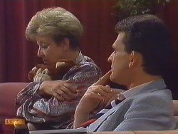 Eileen Clarke, Des Clarke in Neighbours Episode 0606