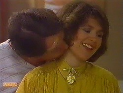 Stephen Armstrong, Beverly Marshall in Neighbours Episode 0608