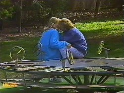 Jane Harris, Scott Robinson in Neighbours Episode 0609