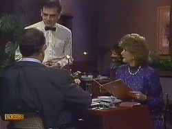 Harold Bishop, Waiter, Madge Bishop in Neighbours Episode 0609