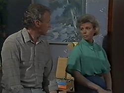 Jim Robinson, Helen Daniels in Neighbours Episode 0611