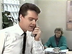 Paul Robinson, Helen Daniels in Neighbours Episode 0612