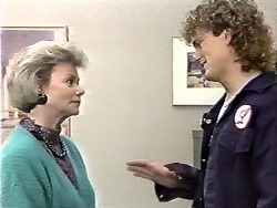 Helen Daniels, Henry Ramsay in Neighbours Episode 0612