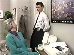Helen Daniels, Paul Robinson in Neighbours Episode 0612