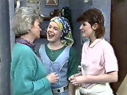 Helen Daniels, Lucy Robinson, Chrissy in Neighbours Episode 0612