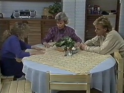 Charlene Mitchell, Helen Daniels, Scott Robinson in Neighbours Episode 0613