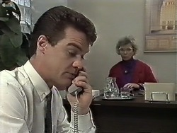 Paul Robinson, Helen Daniels in Neighbours Episode 0614