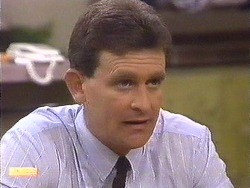 Des Clarke in Neighbours Episode 0616