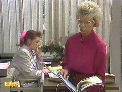 Melanie Pearson, Helen Daniels in Neighbours Episode 0616