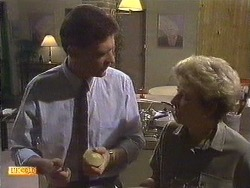 Des Clarke, Eileen Clarke in Neighbours Episode 0616