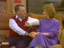 Harold Bishop, Madge Bishop in Neighbours Episode 0618
