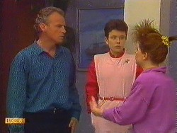Jim Robinson, Lucy Robinson, Chrissy in Neighbours Episode 0618