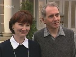 Karen Munro, Martin Munro in Neighbours Episode 2692