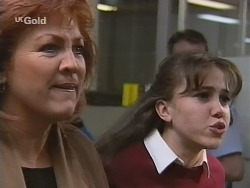 Cheryl Stark, Libby Kennedy in Neighbours Episode 2696