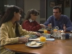 Susan Kennedy, Libby Kennedy, Karl Kennedy in Neighbours Episode 2697