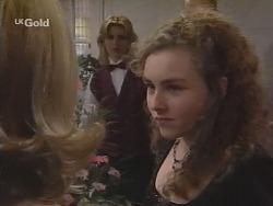 Danni Stark, Debbie Martin in Neighbours Episode 2700