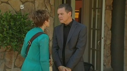Susan Kennedy, Paul Robinson in Neighbours Episode 6179
